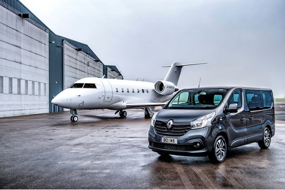 http://rafbus.be/wp-content/uploads/2018/09/embargo-201117-8am-renault-trafic-spaceclass-opens-for-orders-1_w555_h555.jpg